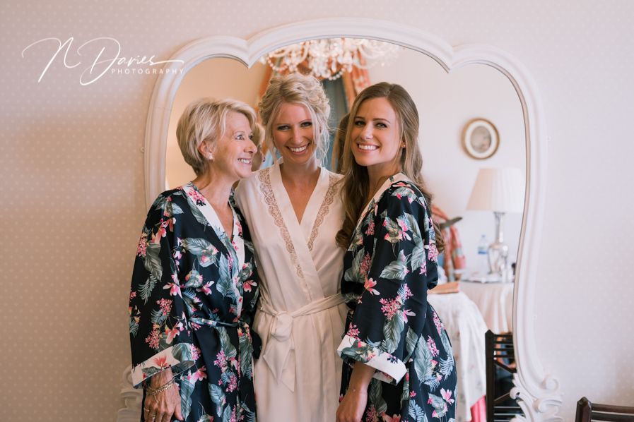 Timelessly elegant wedding styling and moments to melt your heart! Nick Davies Photography on the English Wedding Blog (9)