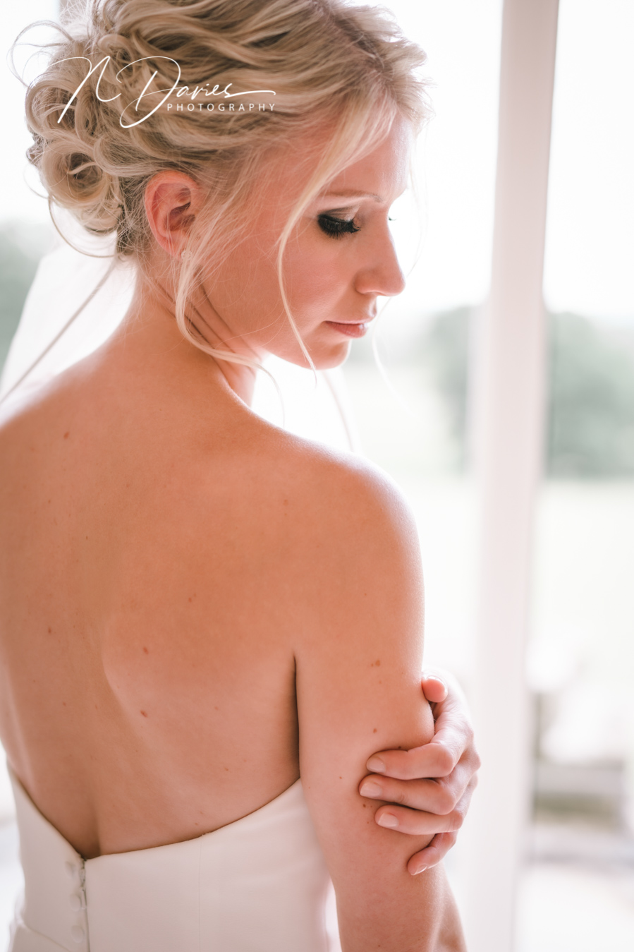Timelessly elegant wedding styling and moments to melt your heart! Nick Davies Photography on the English Wedding Blog (12)