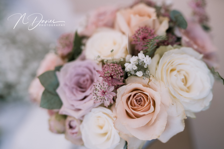Timelessly elegant wedding styling and moments to melt your heart! Nick Davies Photography on the English Wedding Blog (5)
