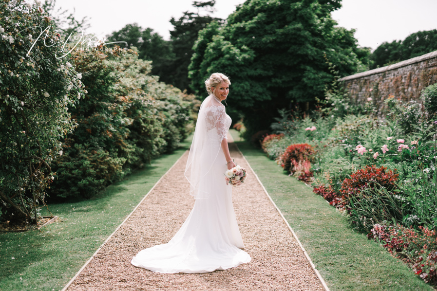 Timelessly elegant wedding styling and moments to melt your heart! Nick Davies Photography on the English Wedding Blog (24)
