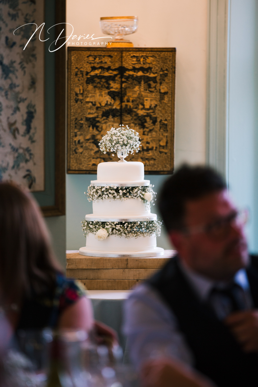 Timelessly elegant wedding styling and moments to melt your heart! Nick Davies Photography on the English Wedding Blog (29)
