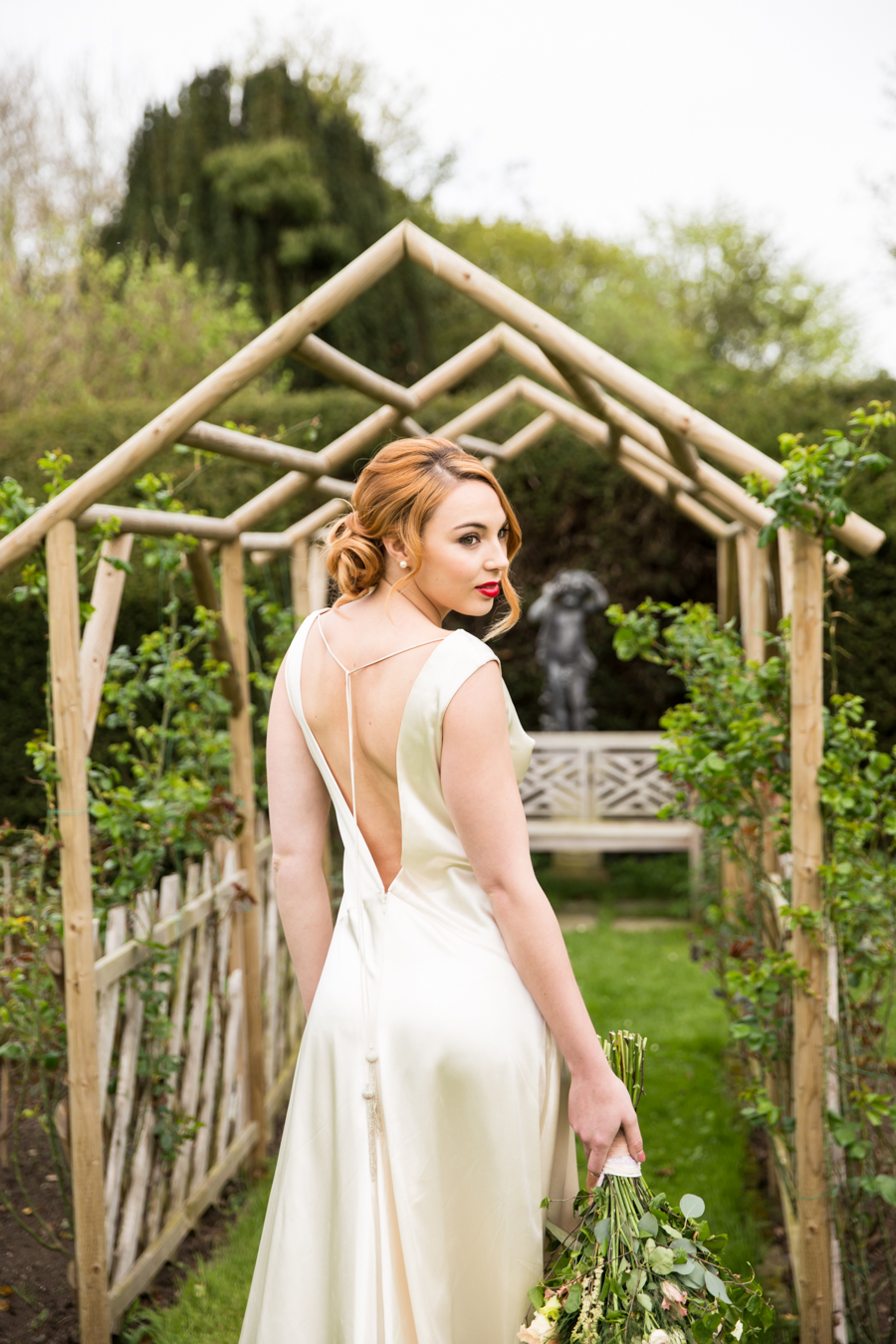 English country garden wedding style ideas with Hannah Larkin Photography (30)