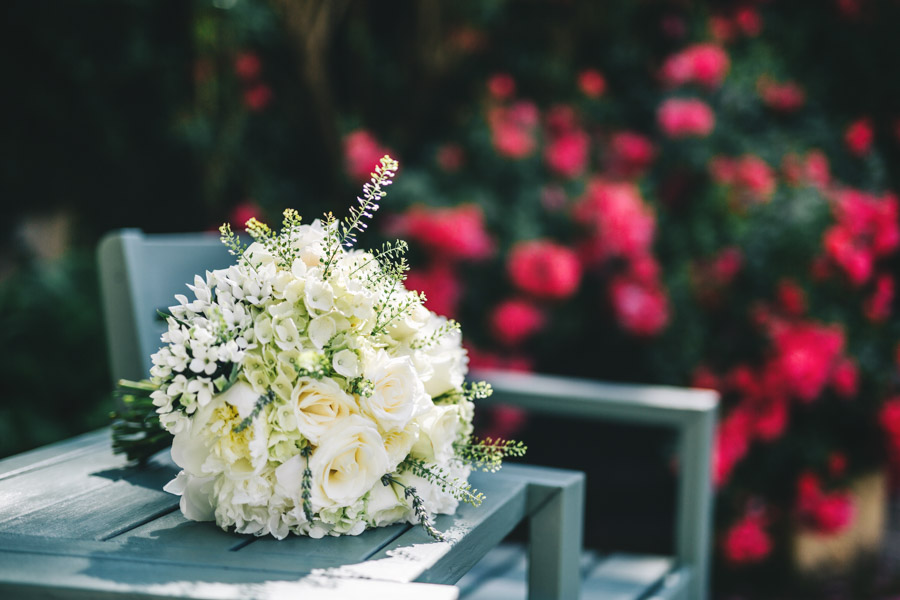 White and green styling for an elegant wedding at West Tower, with Rachel Joyce Photography on the English Wedding Blog (1)