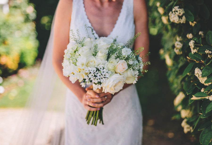 White and green styling for an elegant wedding at West Tower, with Rachel Joyce Photography on the English Wedding Blog (4)