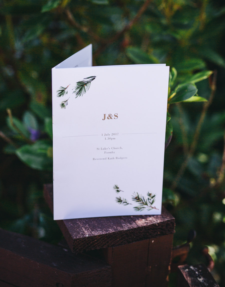 White and green styling for an elegant wedding at West Tower, with Rachel Joyce Photography on the English Wedding Blog (6)