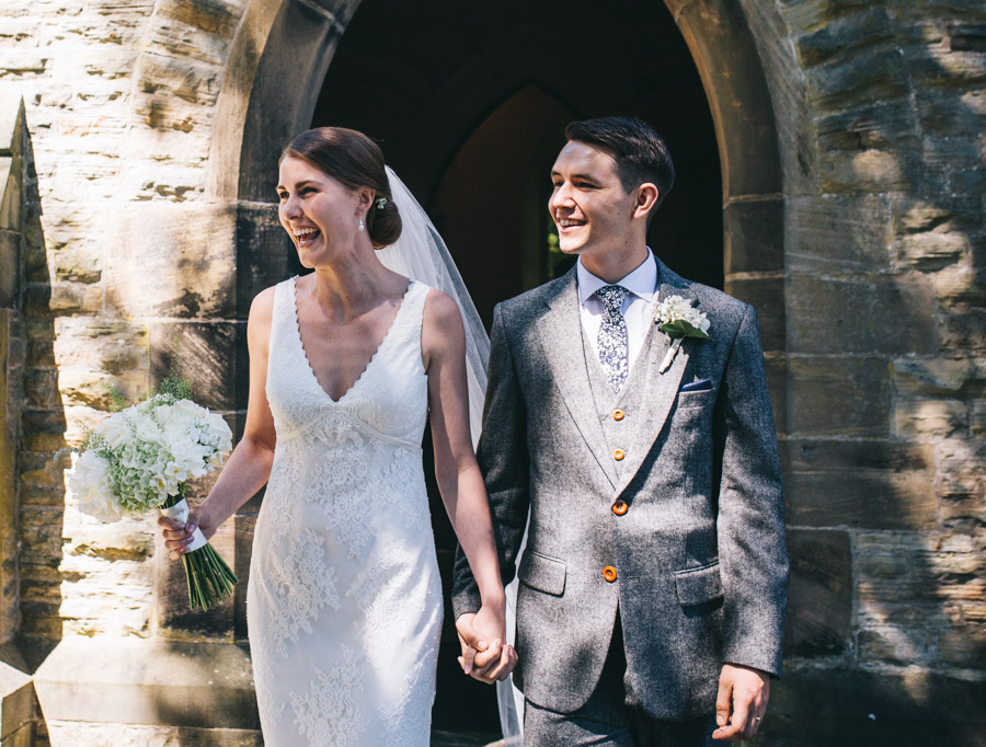 White and green styling for an elegant wedding at West Tower, with Rachel Joyce Photography on the English Wedding Blog (11)