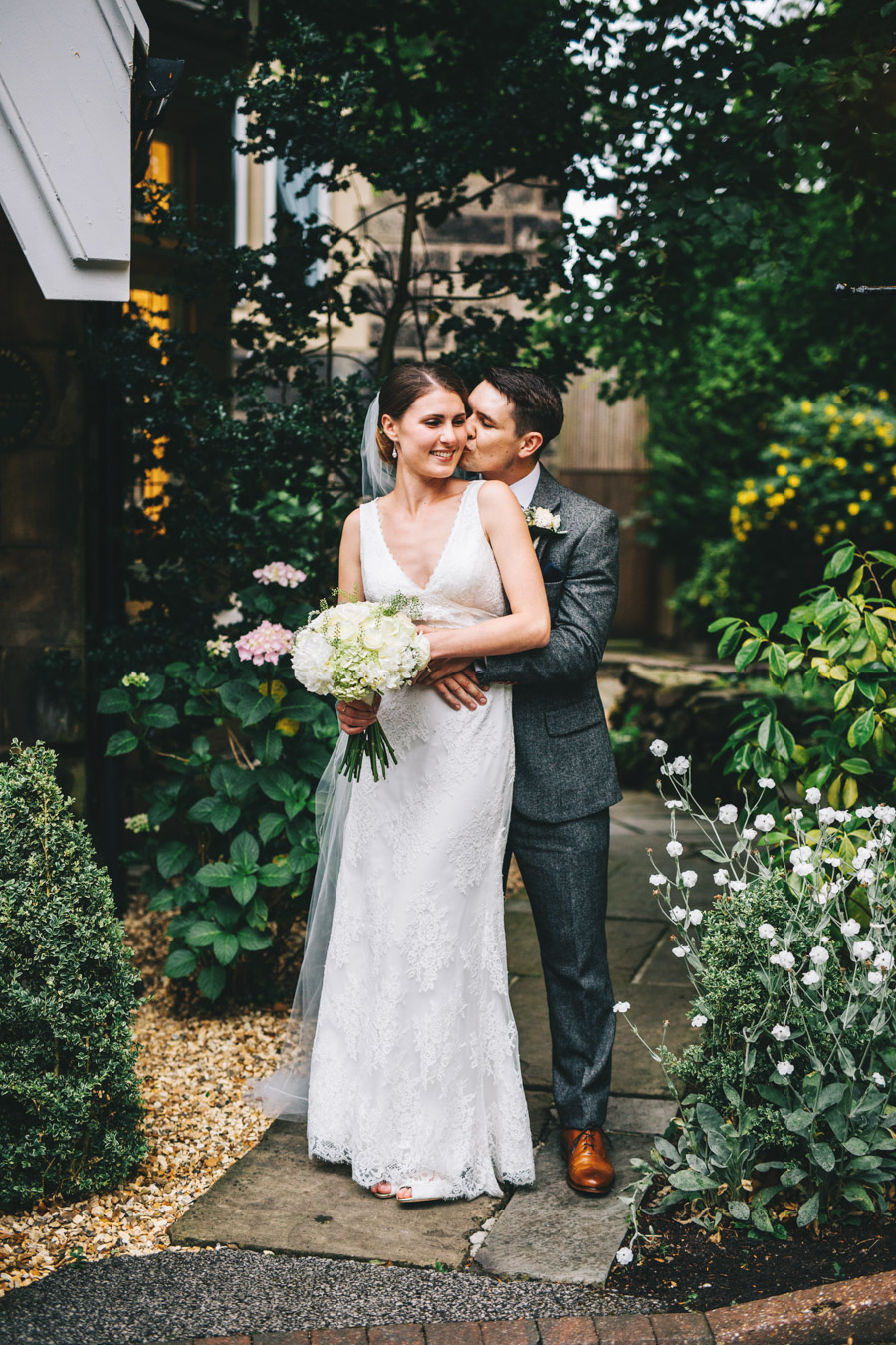 White and green styling for an elegant wedding at West Tower, with Rachel Joyce Photography on the English Wedding Blog (35)