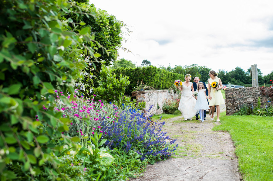 We love this Cowparsley Farm Somerset wedding with Special Day Wedding Photos on the English Wedding Blog (2)