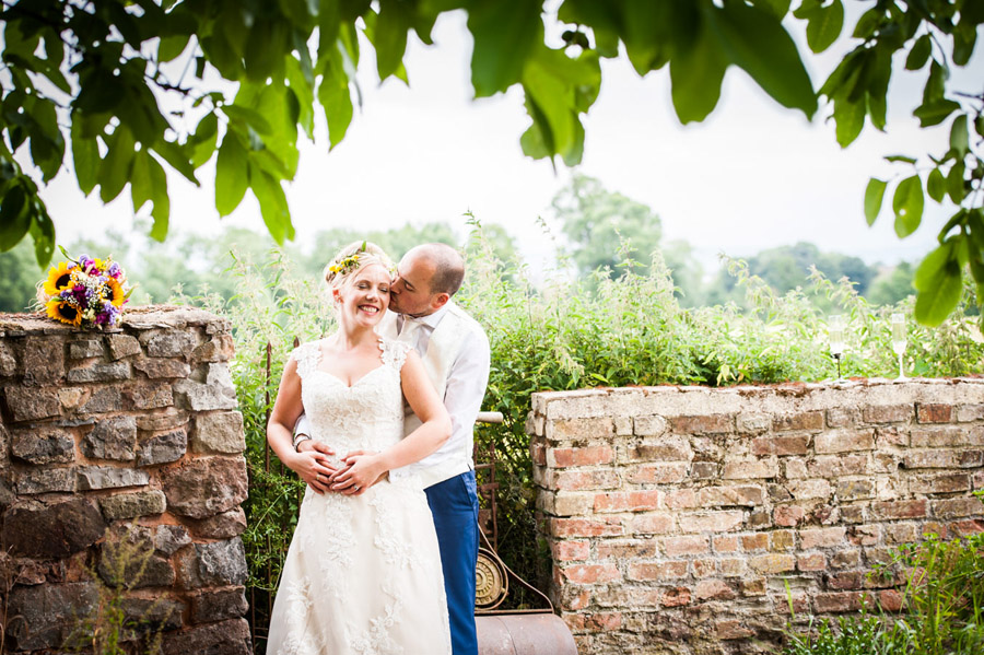 We love this Cowparsley Farm Somerset wedding with Special Day Wedding Photos on the English Wedding Blog (30)