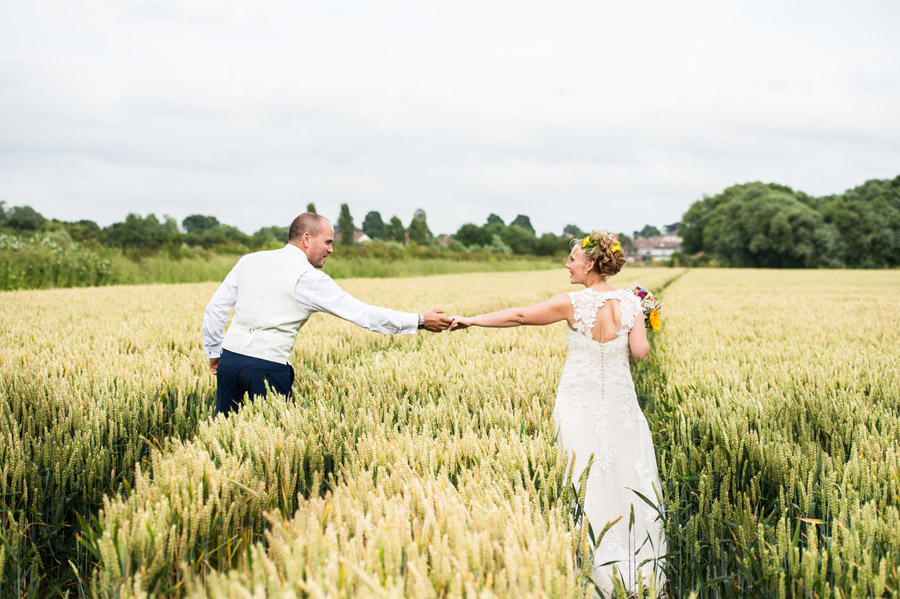 We love this Cowparsley Farm Somerset wedding with Special Day Wedding Photos on the English Wedding Blog (32)