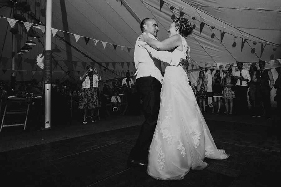 We love this Cowparsley Farm Somerset wedding with Special Day Wedding Photos on the English Wedding Blog (35)