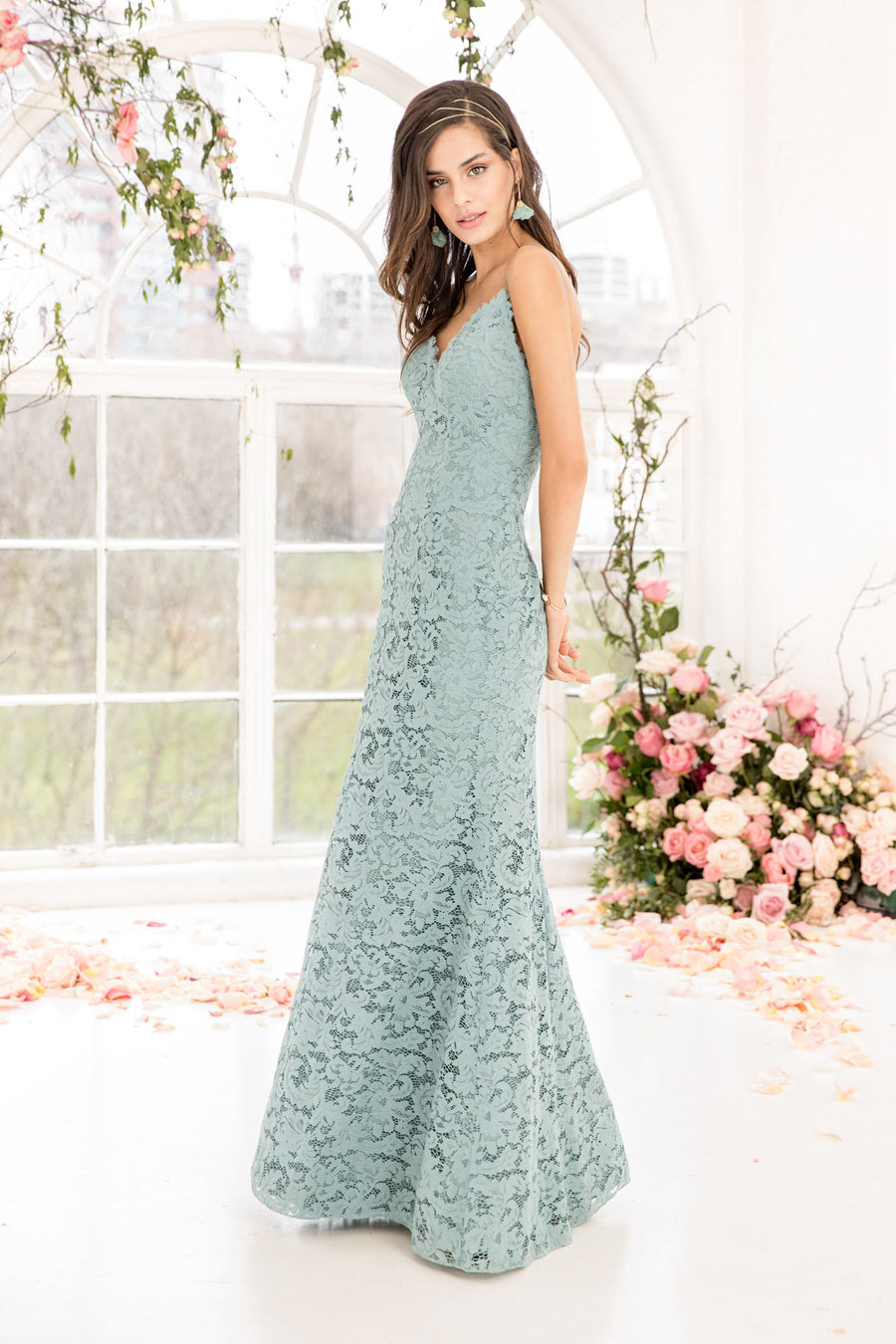 The English Wedding Blog showcases Kelsey Rose bridesmaids dresses for 2019 in dusty pink, pastel yellow and blue and more (6)