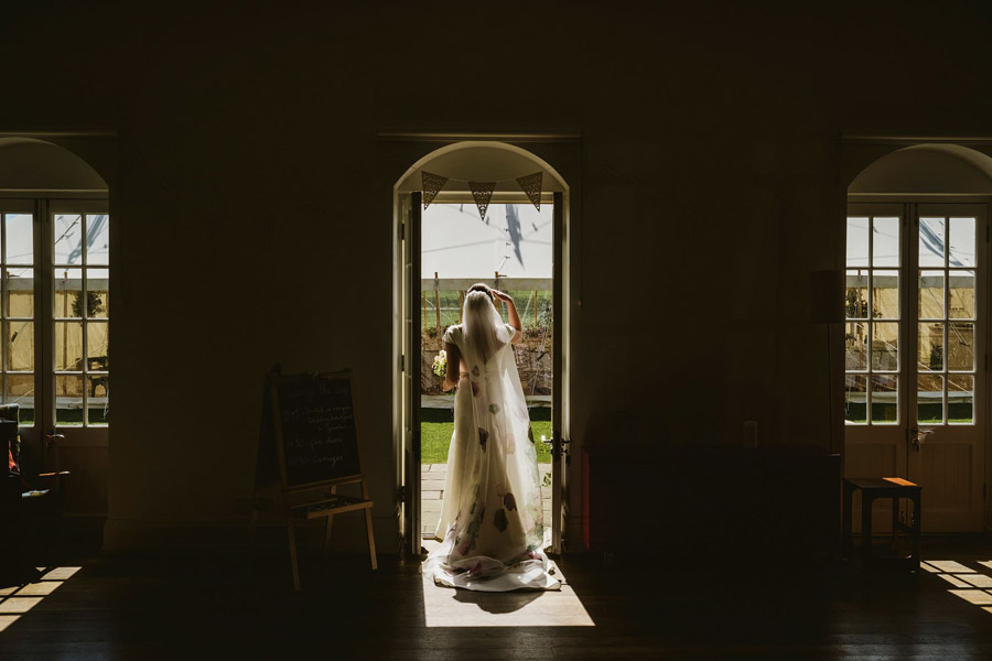 Genius documentary photography telling the story of a Yorkshire wedding - York Place Studios on the English Wedding Blog (7)