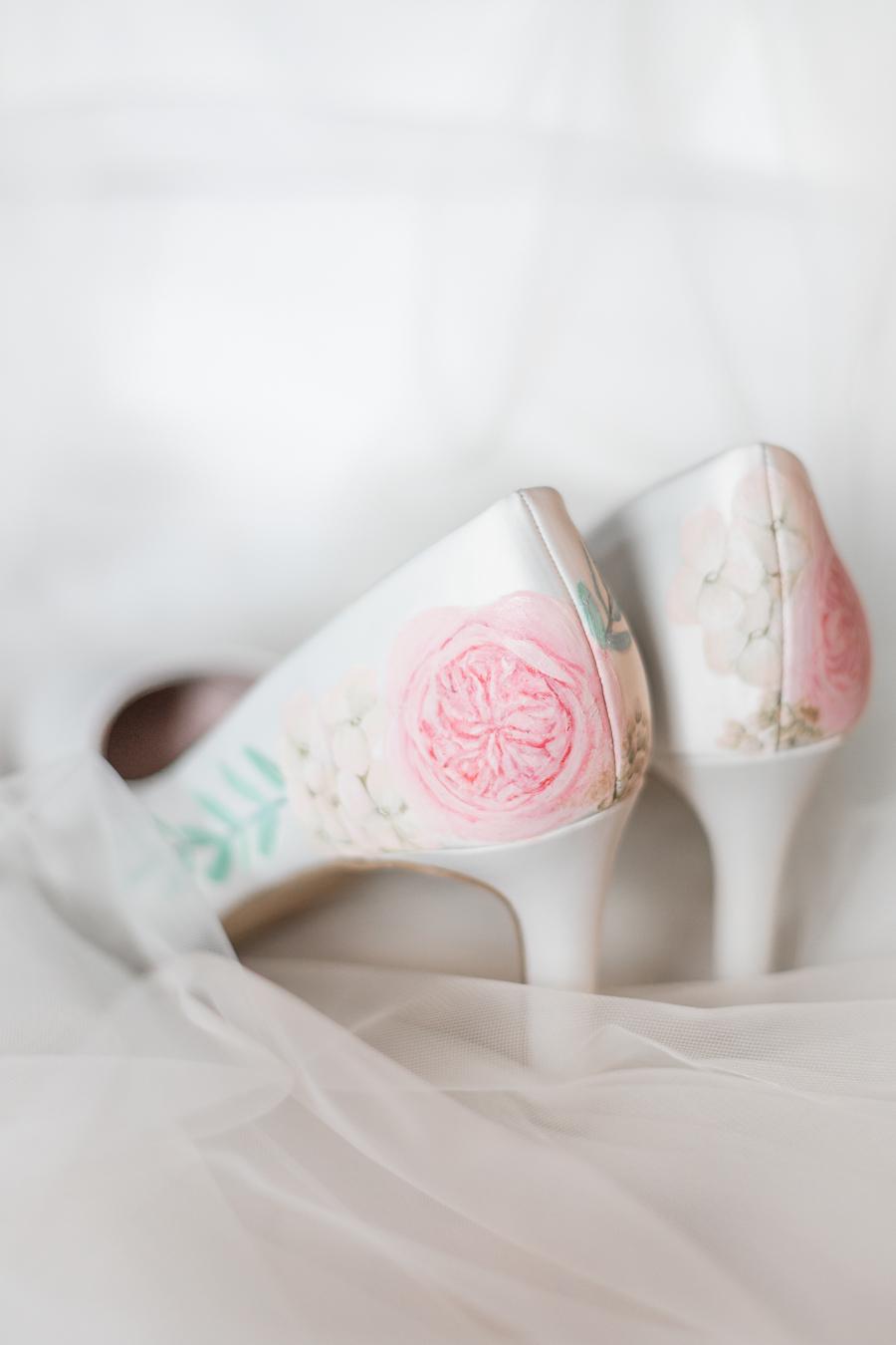 Opulent blush and gold wedding ideas on English-Wedding.com image credit Bond Photography (7)