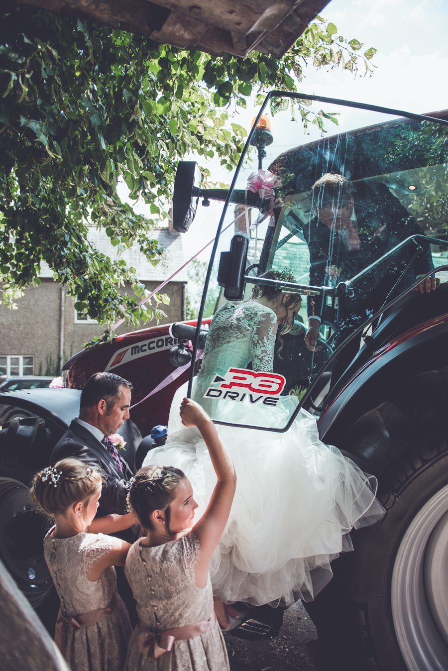 Farm wedding with a chicken and egg theme, by Catherine Spiller Photography (15)