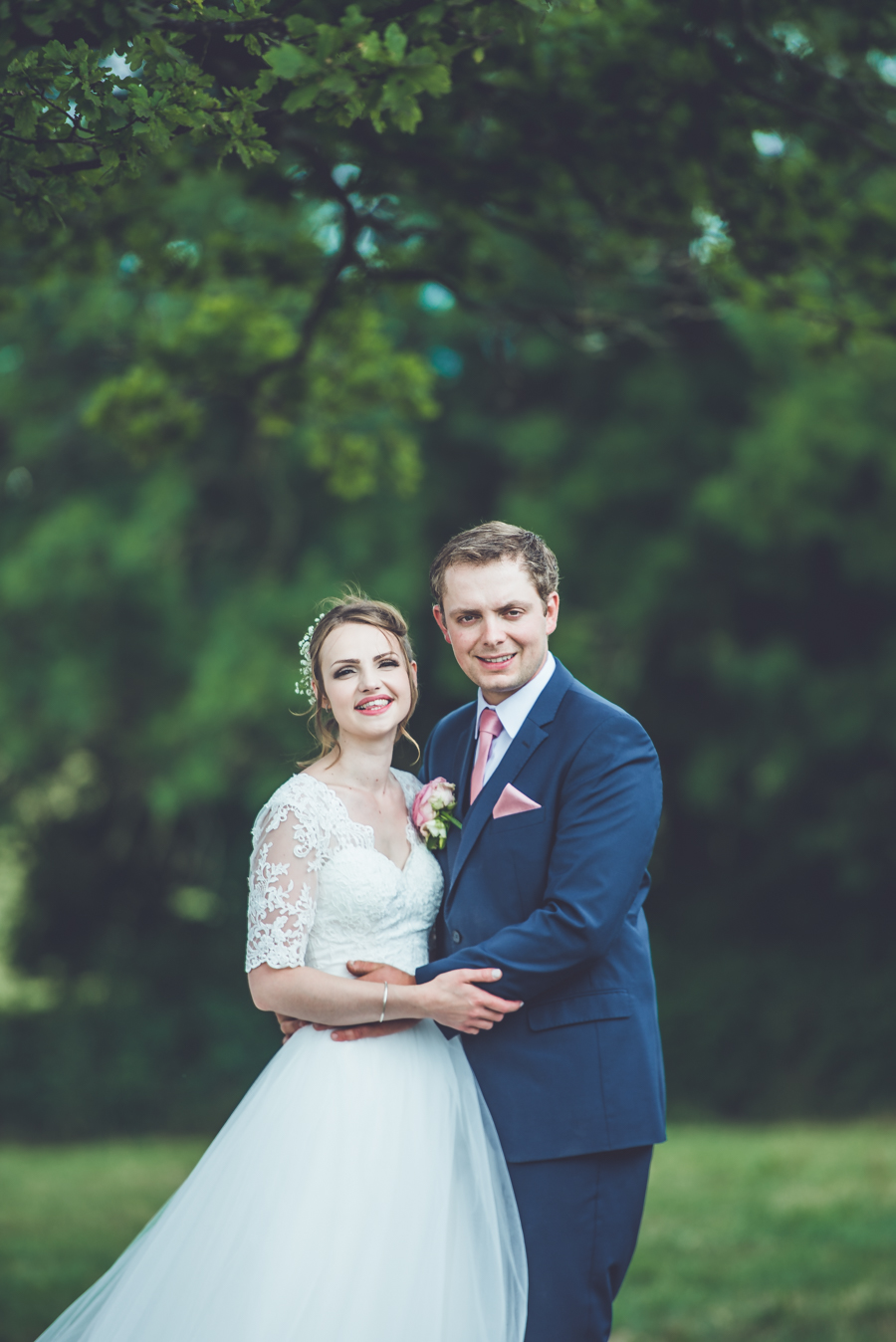 Farm wedding with a chicken and egg theme, by Catherine Spiller Photography (29)
