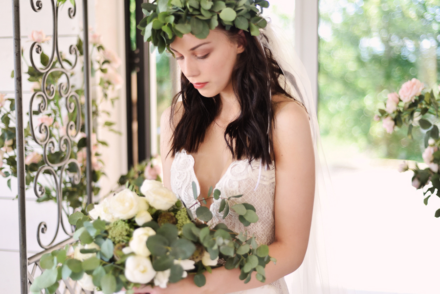Marina Walker Photography's styled shoot with succulents and affordable details for a minimalist boho wedding (37)