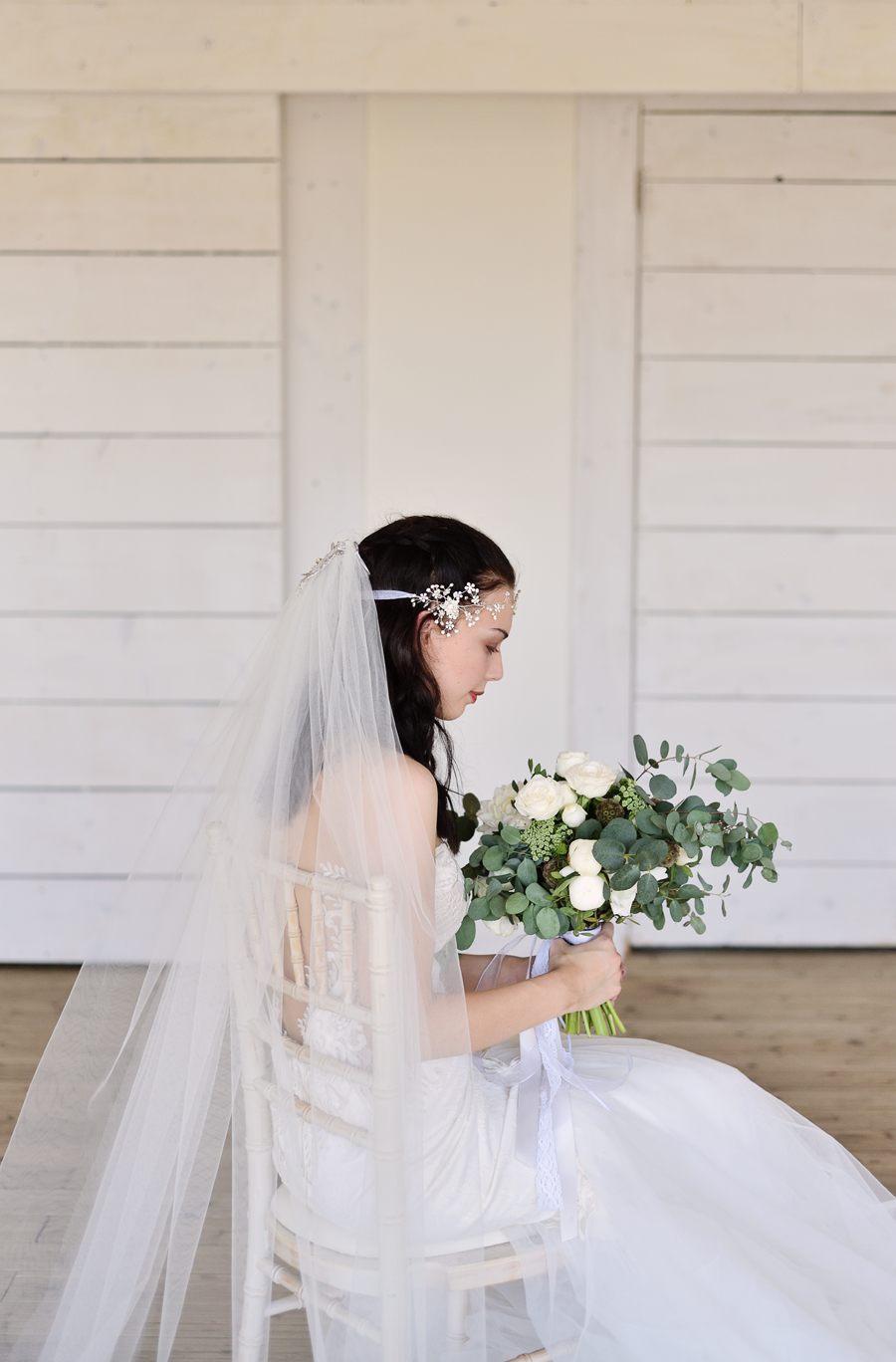Marina Walker Photography's styled shoot with succulents and affordable details for a minimalist boho wedding (29)