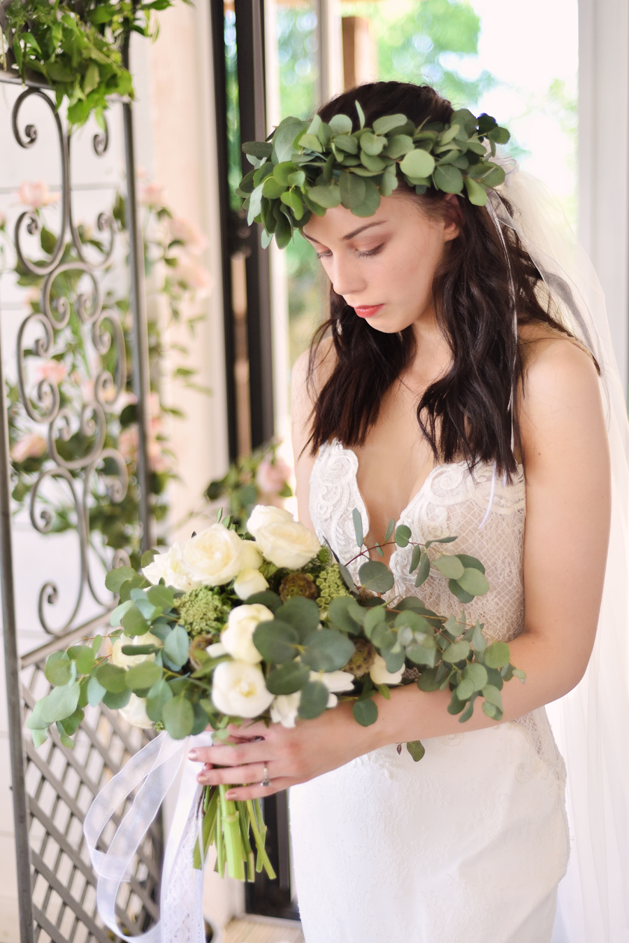 Marina Walker Photography's styled shoot with succulents and affordable details for a minimalist boho wedding (23)