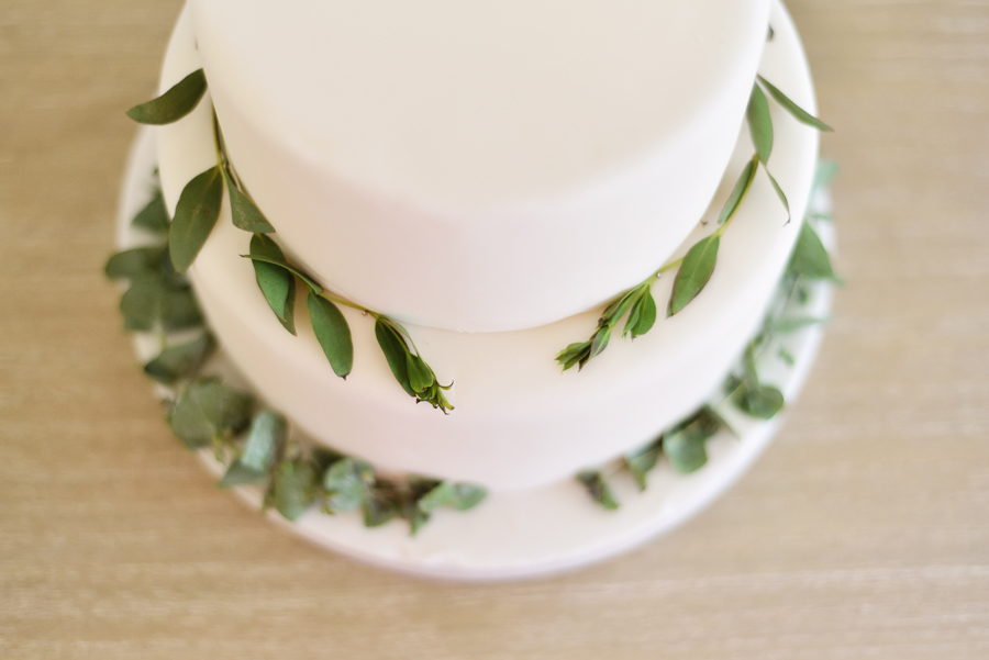 Marina Walker Photography's styled shoot with succulents and affordable details for a minimalist boho wedding (22)