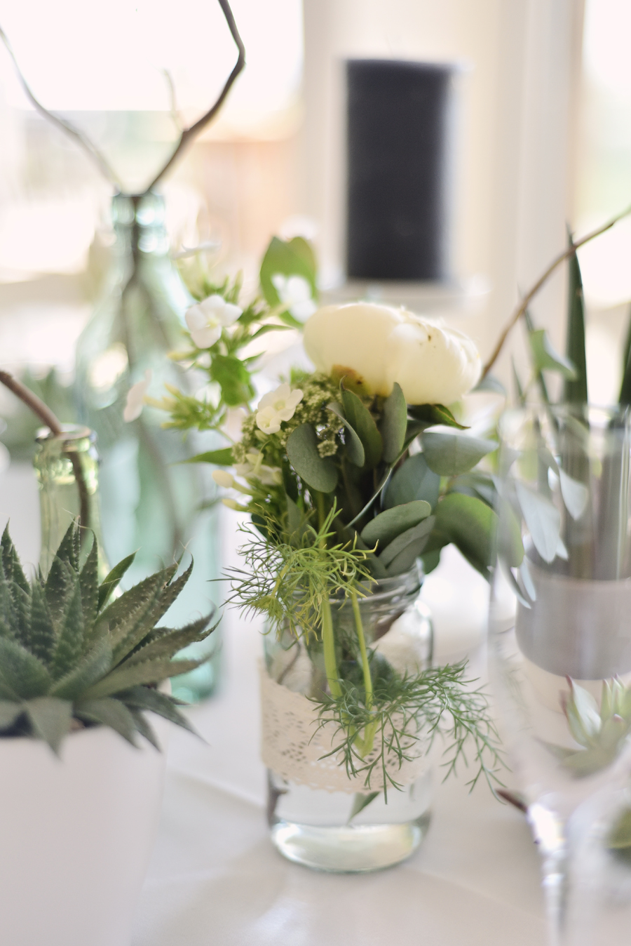 Marina Walker Photography's styled shoot with succulents and affordable details for a minimalist boho wedding (14)