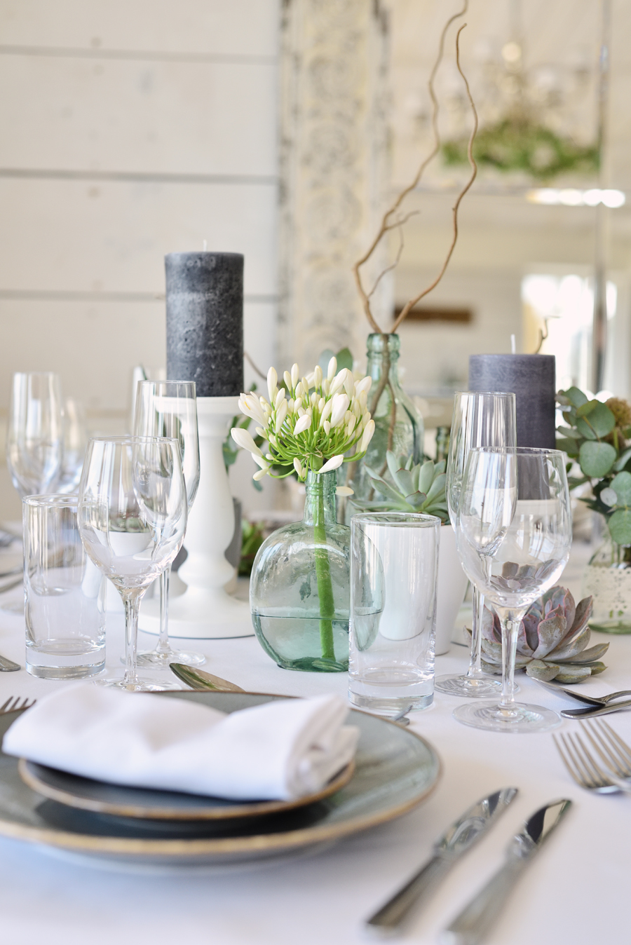 Marina Walker Photography's styled shoot with succulents and affordable details for a minimalist boho wedding (10)