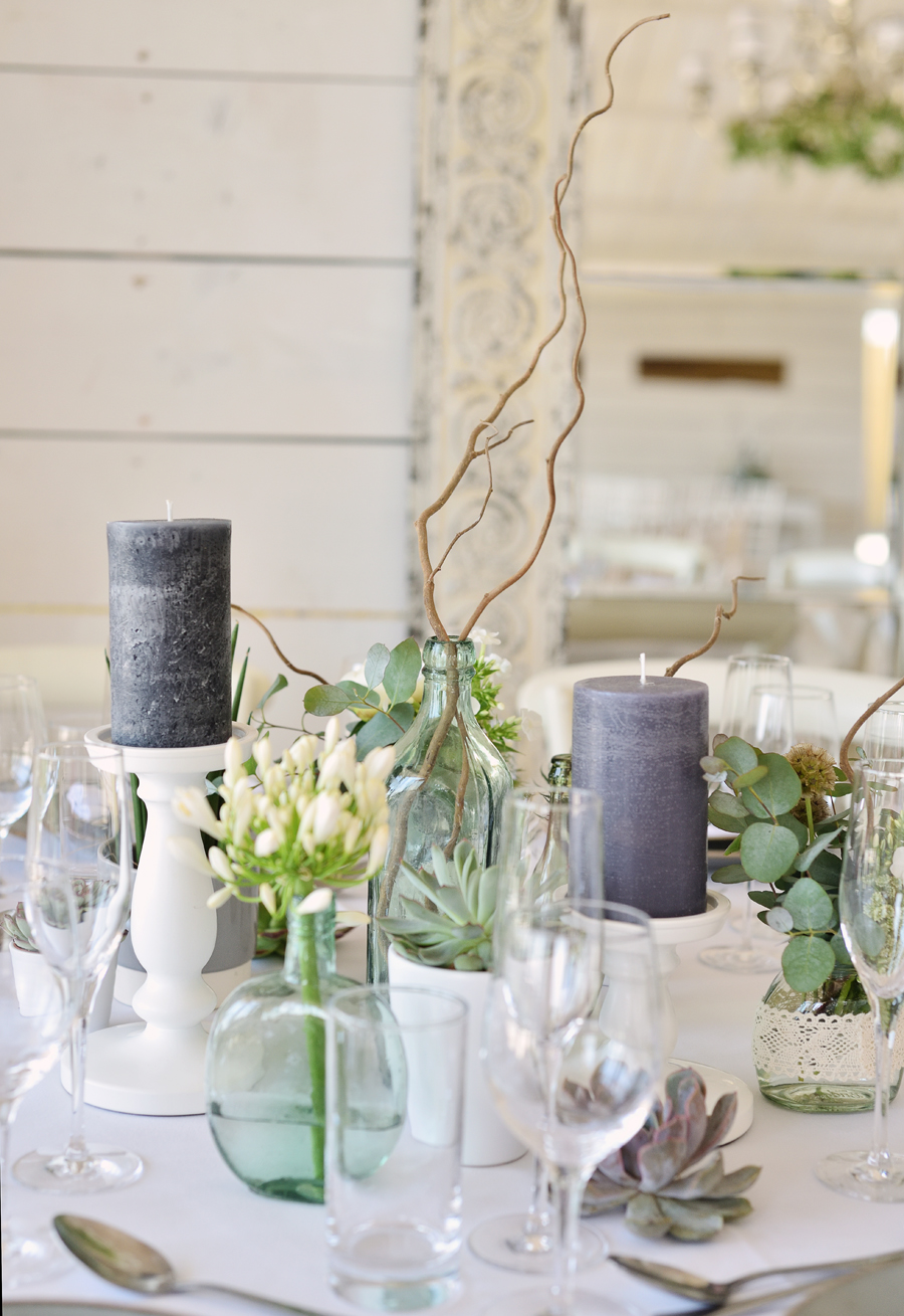 Marina Walker Photography's styled shoot with succulents and affordable details for a minimalist boho wedding (9)