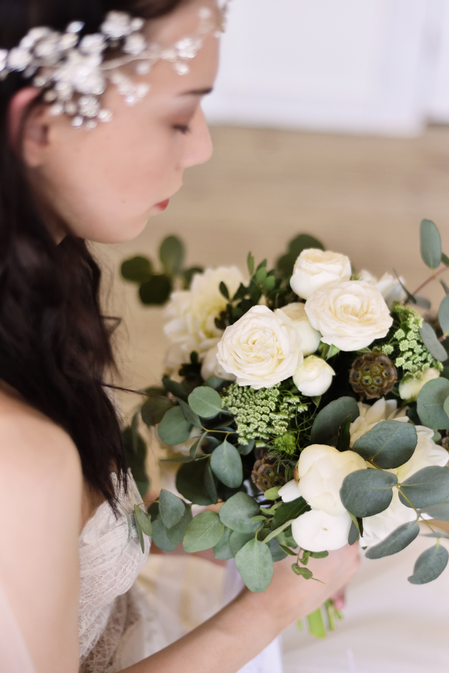 Marina Walker Photography's styled shoot with succulents and affordable details for a minimalist boho wedding (28)