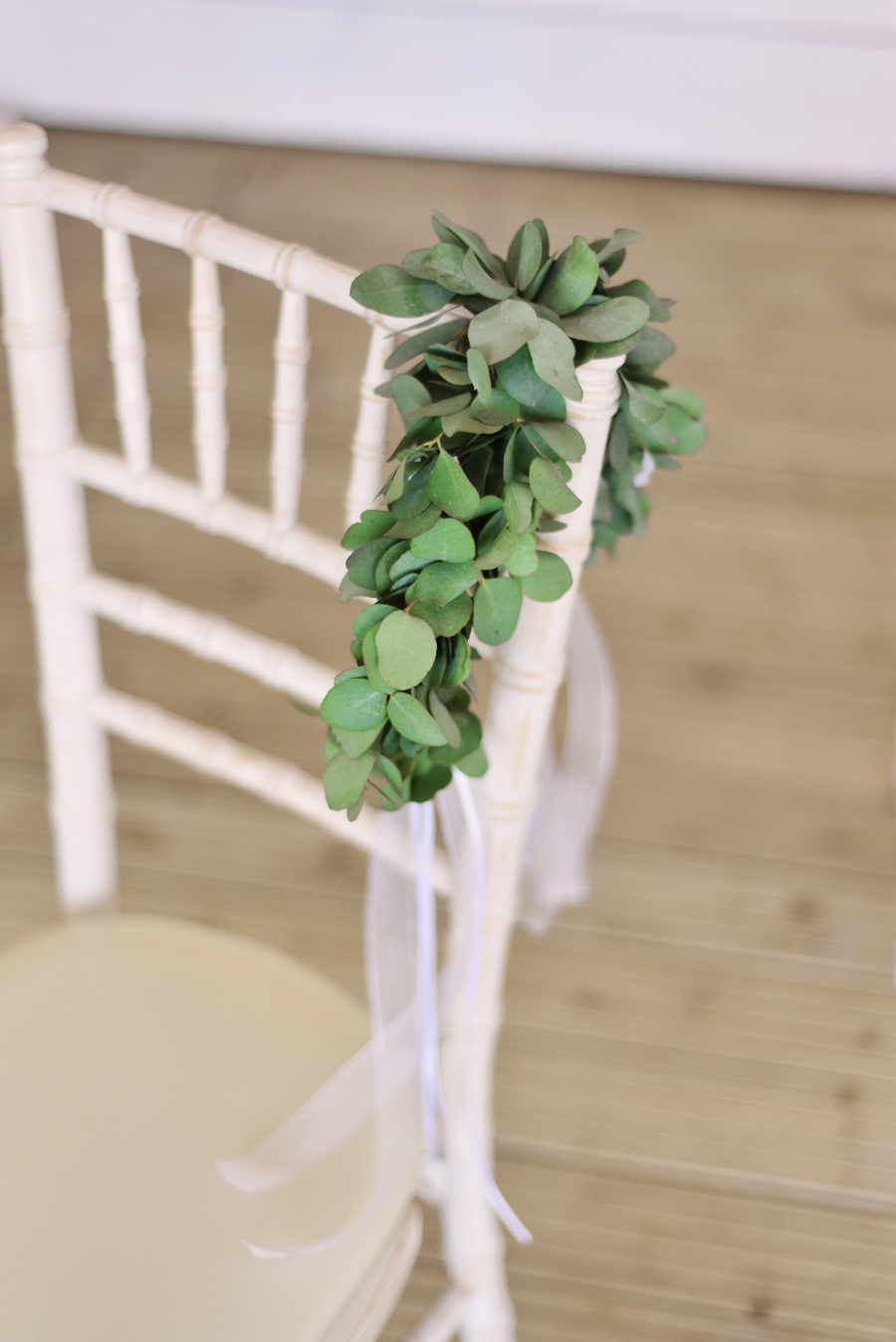 Marina Walker Photography's styled shoot with succulents and affordable details for a minimalist boho wedding (3)