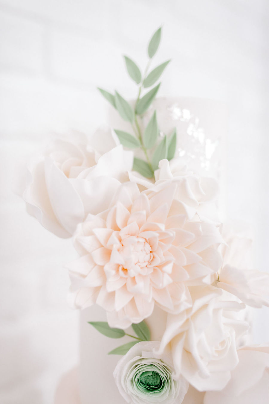 Minimal elegant wedding style ideas by Wildflower Wedding Planner Natasha, images Helene Elliott Photography (3)