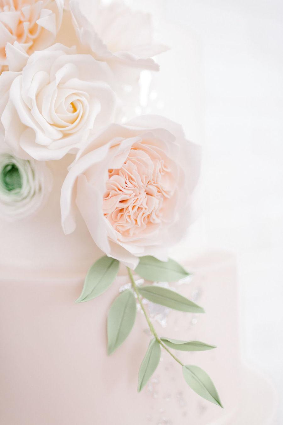 Minimal elegant wedding style ideas by Wildflower Wedding Planner Natasha, images Helene Elliott Photography (4)