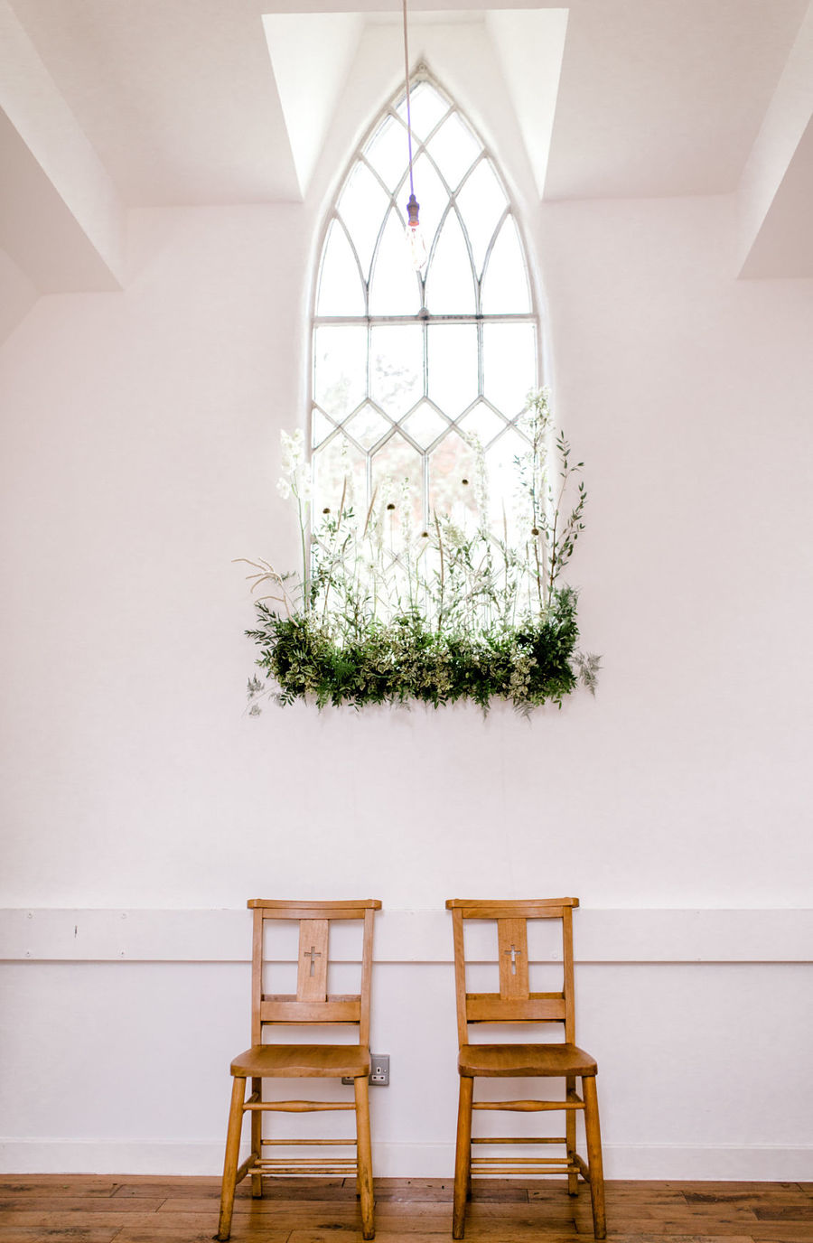 Minimal elegant wedding style ideas by Wildflower Wedding Planner Natasha, images Helene Elliott Photography (8)