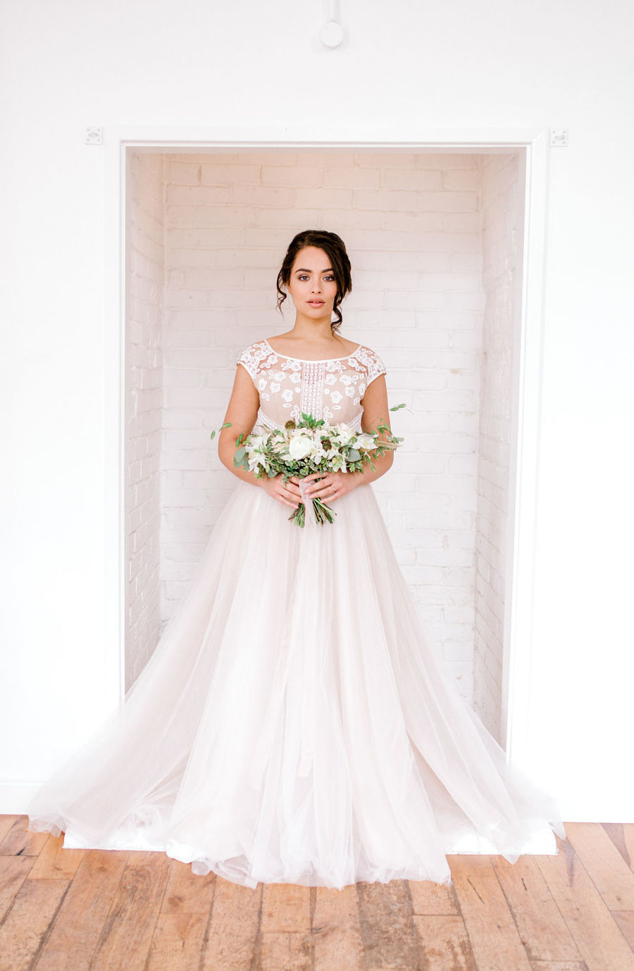 Minimal elegant wedding style ideas by Wildflower Wedding Planner Natasha, images Helene Elliott Photography (10)