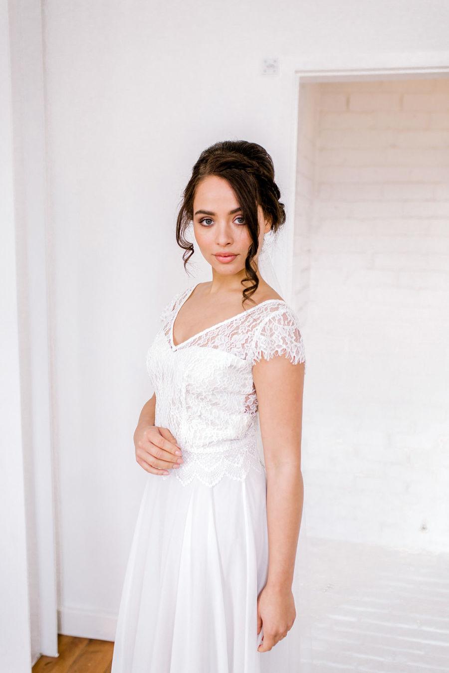 Minimal elegant wedding style ideas by Wildflower Wedding Planner Natasha, images Helene Elliott Photography (19)