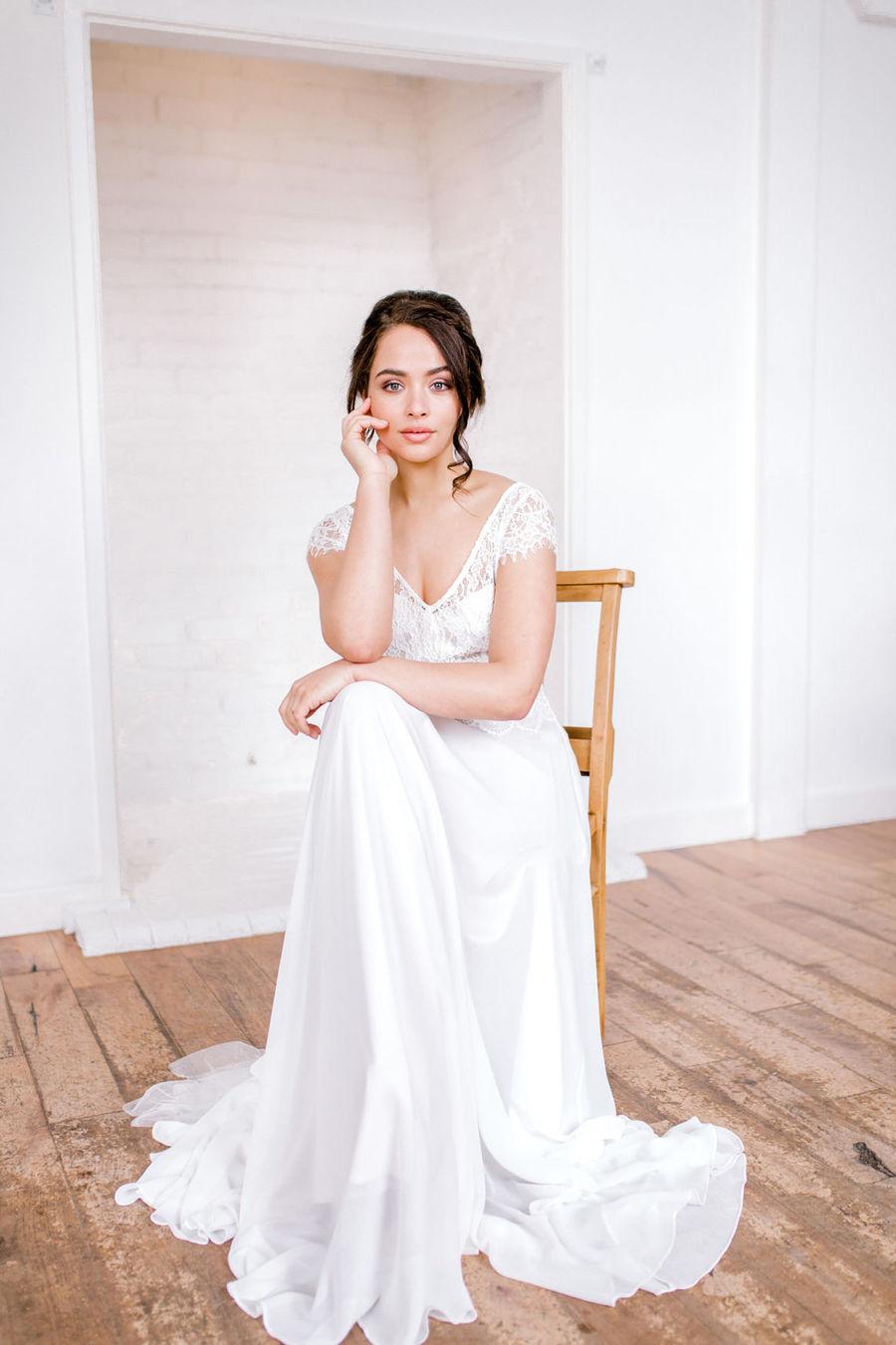 Minimal elegant wedding style ideas by Wildflower Wedding Planner Natasha, images Helene Elliott Photography (20)