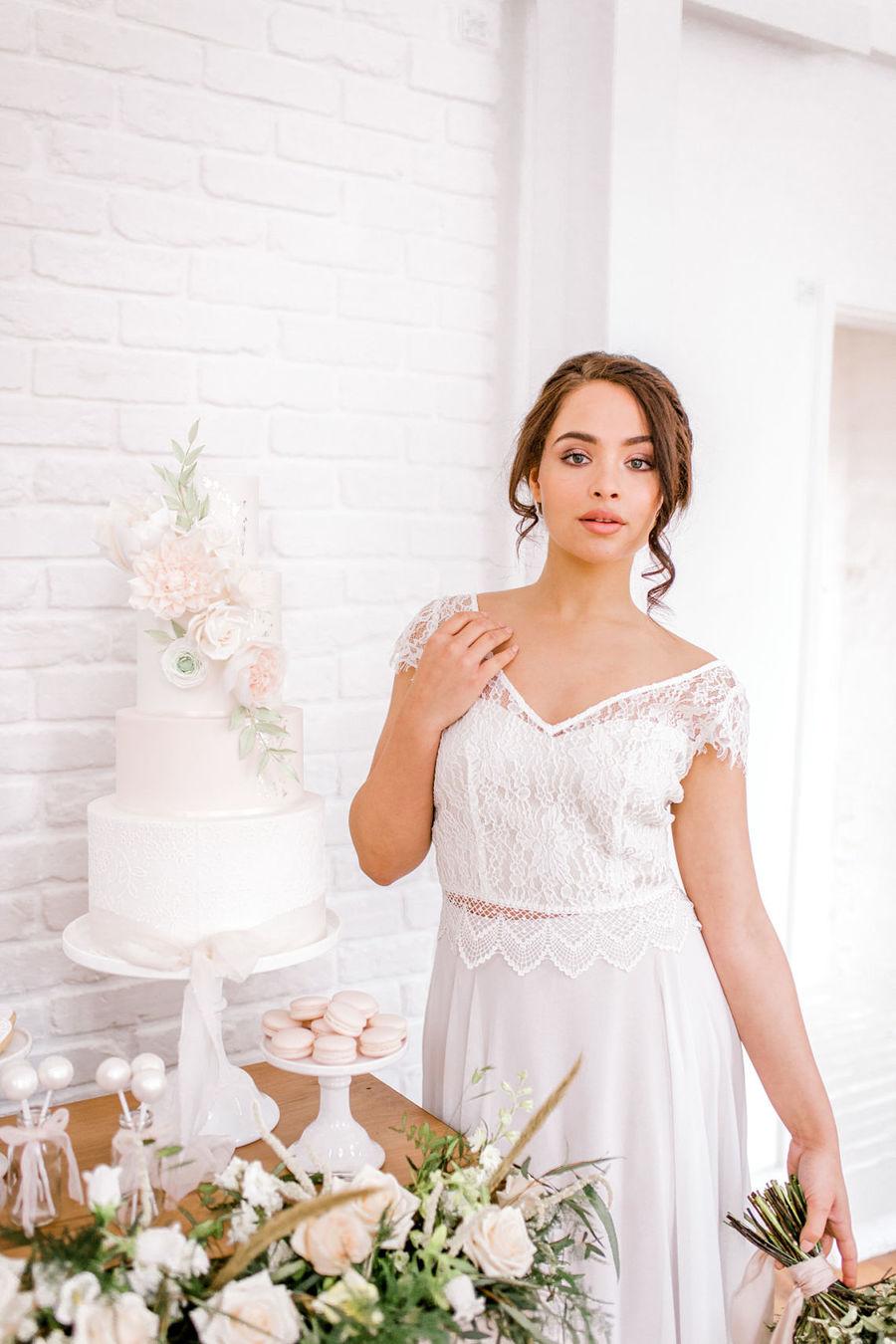 Minimal elegant wedding style ideas by Wildflower Wedding Planner Natasha, images Helene Elliott Photography (21)