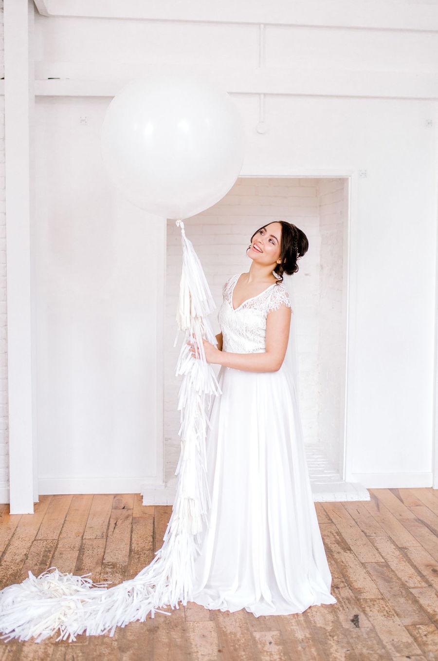 Minimal elegant wedding style ideas by Wildflower Wedding Planner Natasha, images Helene Elliott Photography (22)