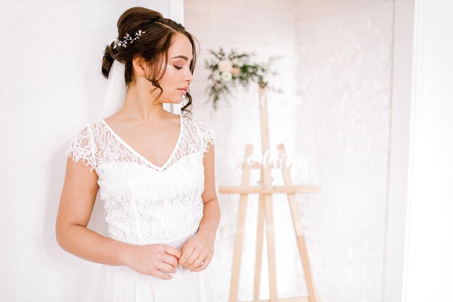 Minimal elegant wedding style ideas by Wildflower Wedding Planner Natasha, images Helene Elliott Photography (23)