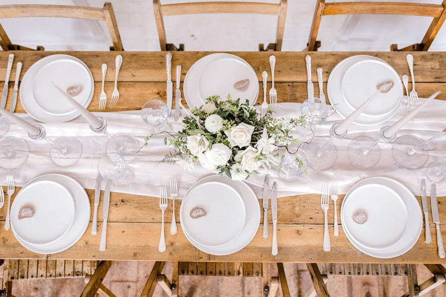 Minimal elegant wedding style ideas by Wildflower Wedding Planner Natasha, images Helene Elliott Photography (27)