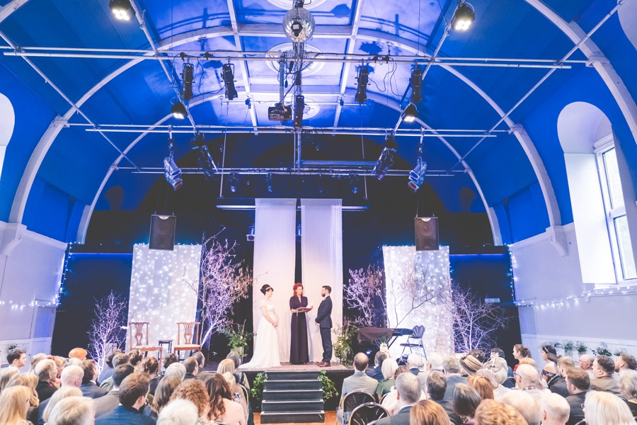 The most unusual wedding venue in the UK? A gorgeous real wedding with images by Jon Turtle on English-Wedding.com (19)