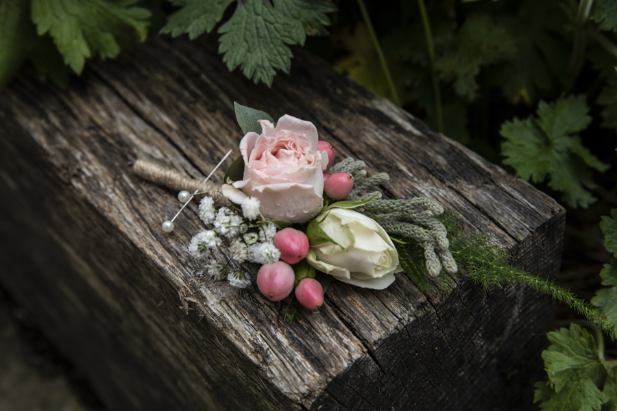 Beautiful real boho wedding from Shortmead House, with Lorna Newman Photography (8)