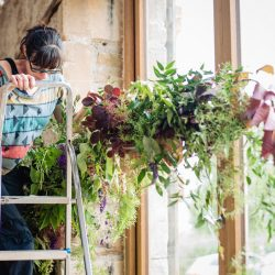 How to do amazing statement flowers for a relaxed barn wedding