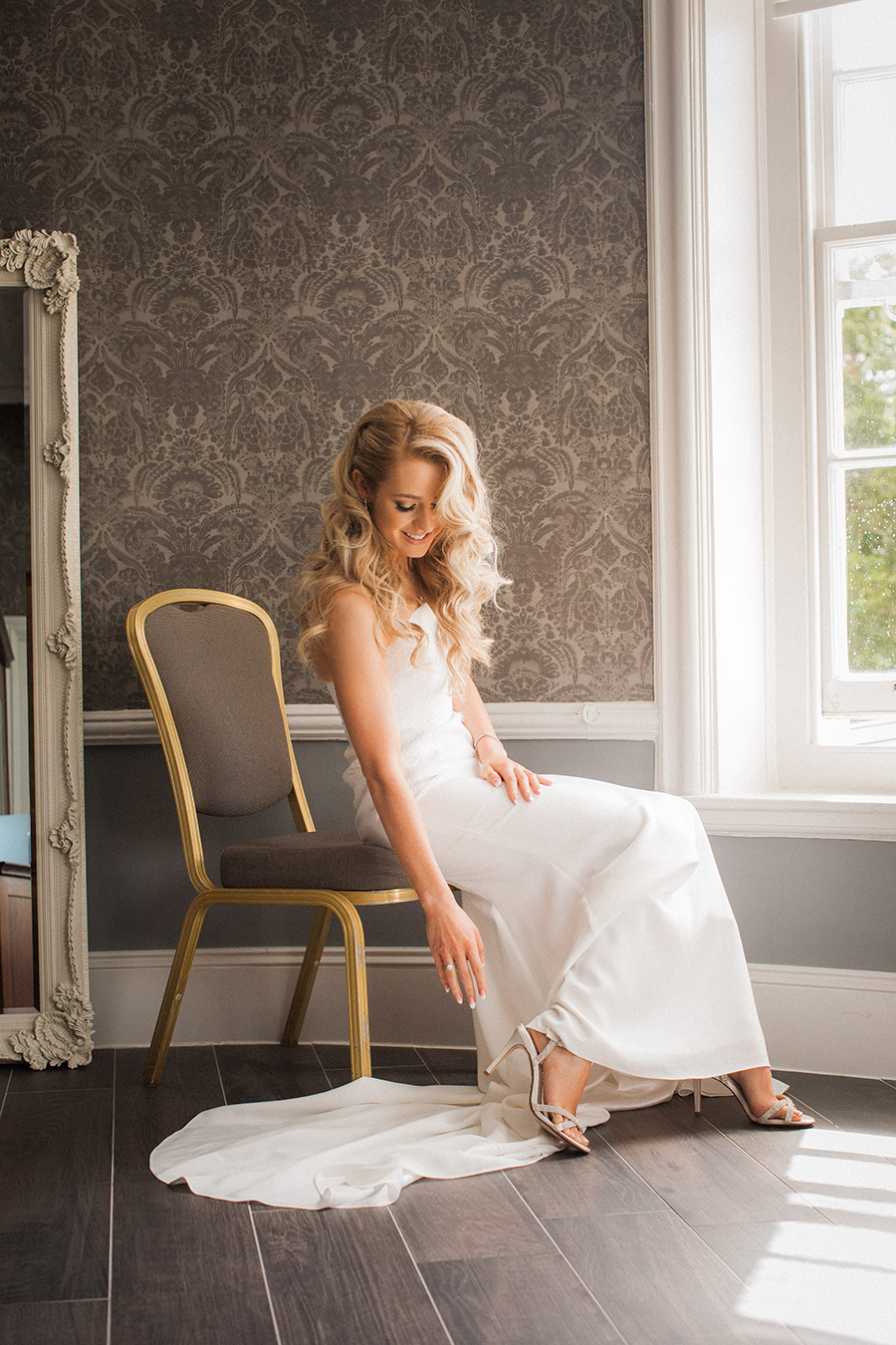black tie UK wedding blog from Morden Hall with Vivienne Edge Photography (15)