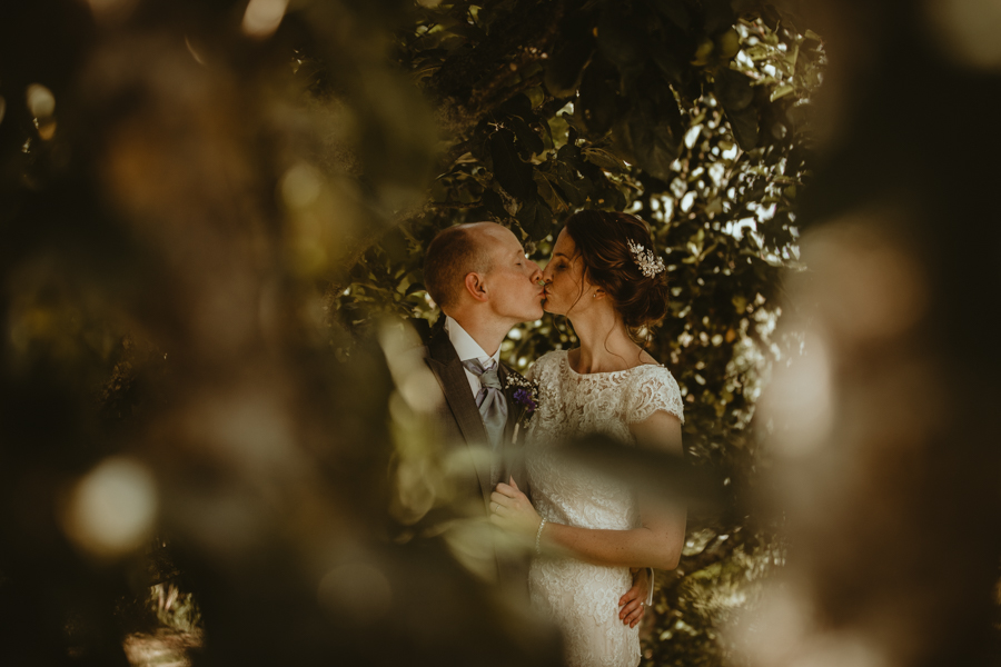 Gorgeous modern rustic styling for an English wedding full of charm, with Daze of Glory (21)