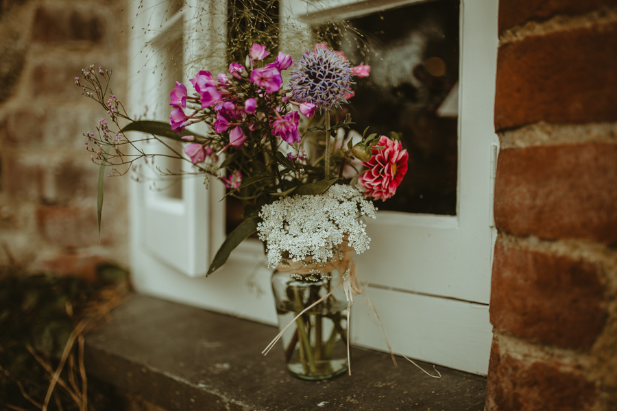 Gorgeous modern rustic styling for an English wedding full of charm, with Daze of Glory (4)
