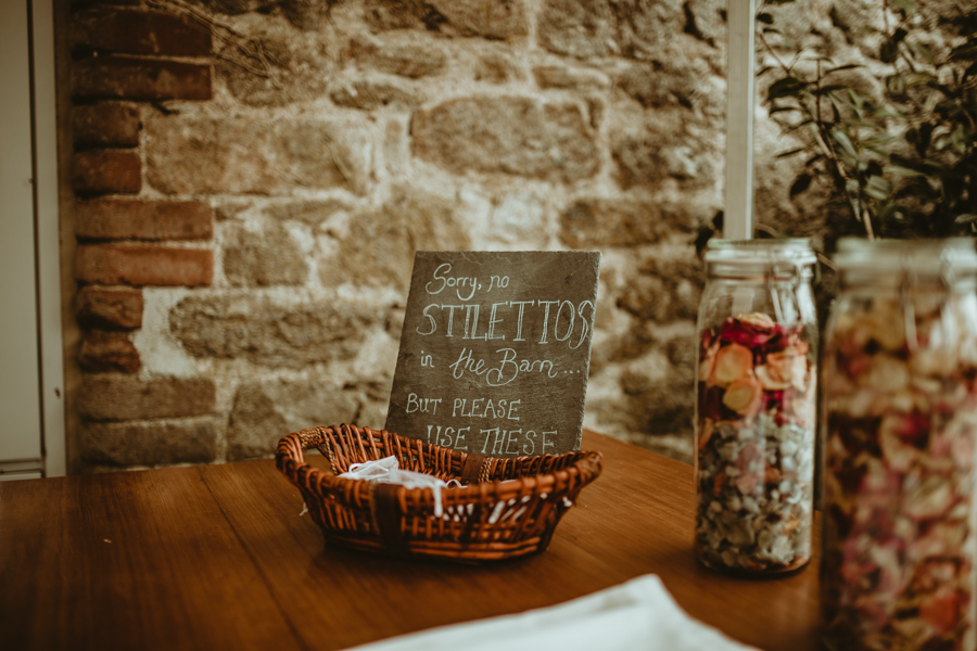 Gorgeous modern rustic styling for an English wedding full of charm, with Daze of Glory (5)
