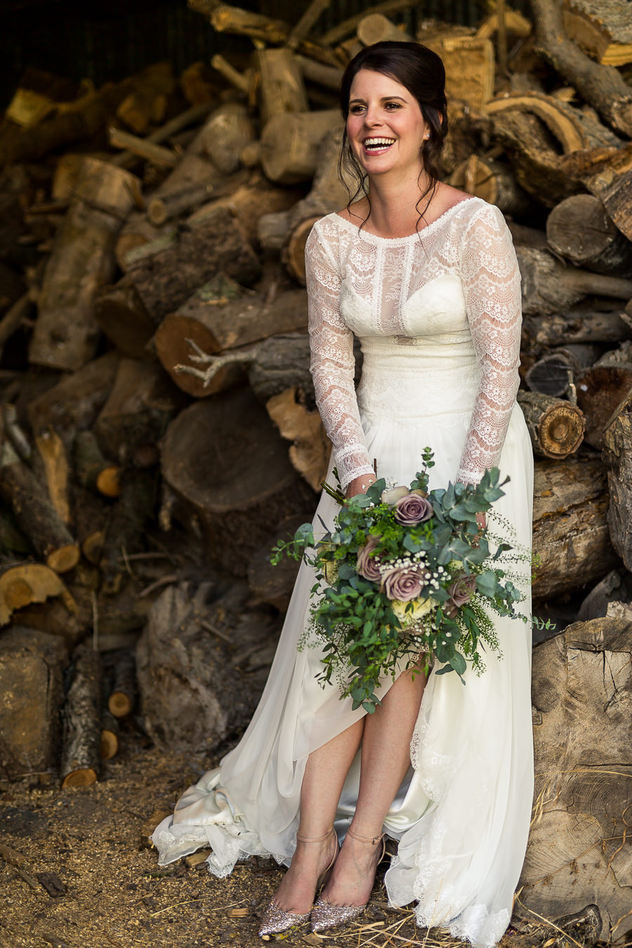 Natural styling for a relaxed and beautiful English wedding with images by Sky Photography (6)