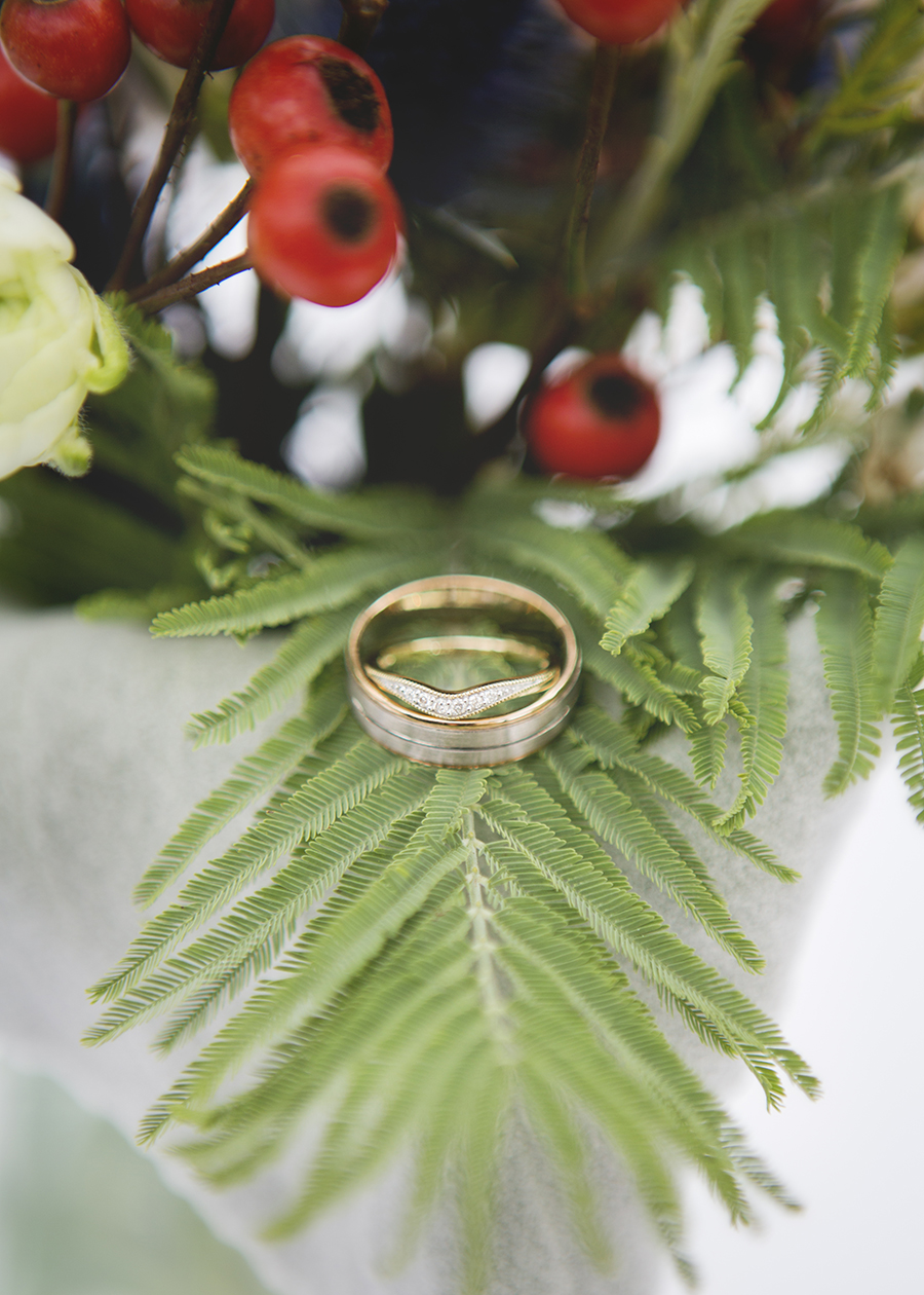 Elegant Christmas wedding ideas for a Waddesdon Dairy wedding, images by Katrina Matthews Photography (7)