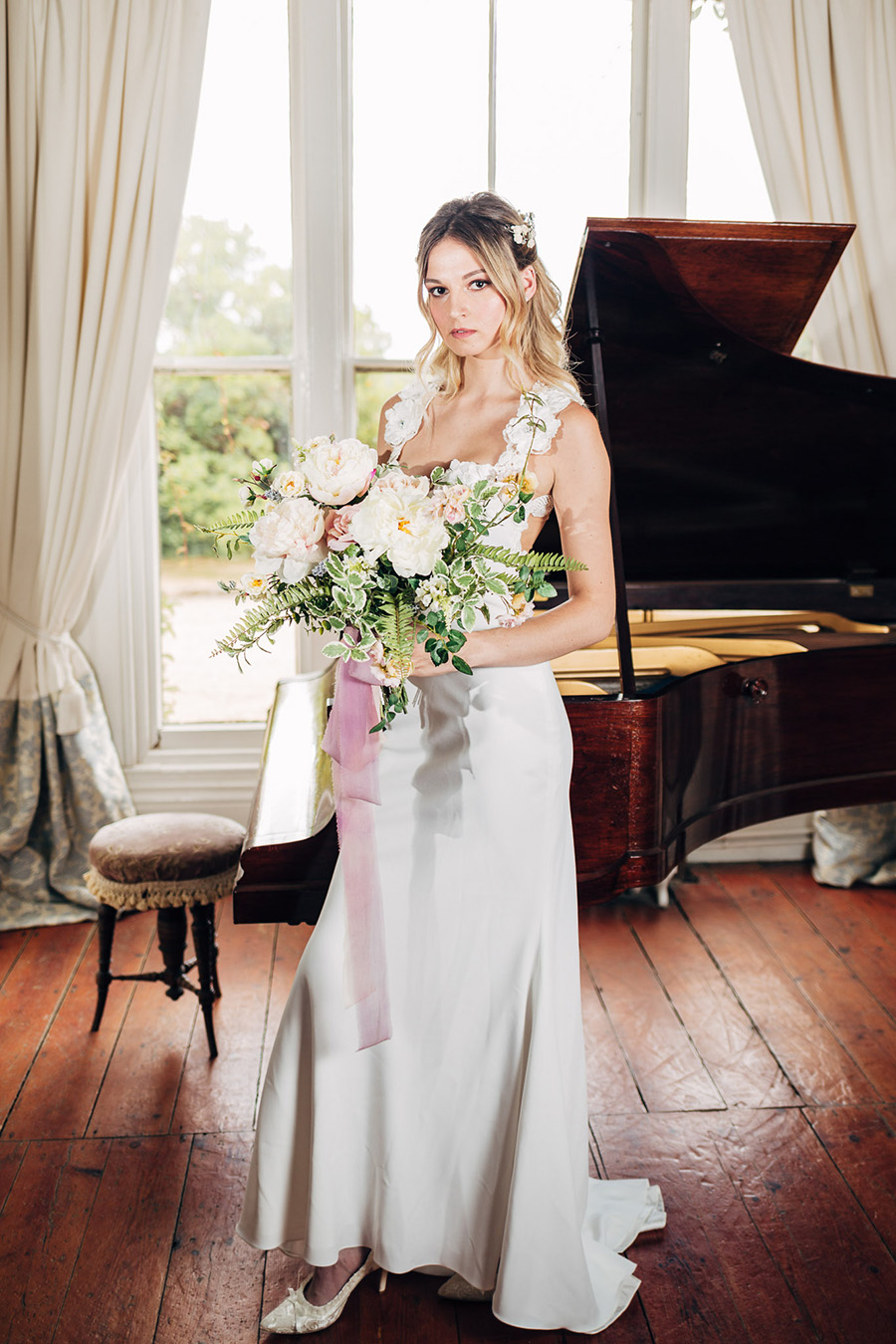 English heritage style inspiration for 2019 weddings, with Photography by Michaelangelo on English-Wedding.com (4)