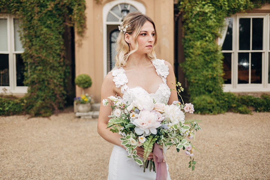 English heritage style inspiration for 2019 weddings, with Photography by Michaelangelo on English-Wedding.com (7)